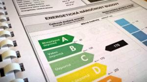 Náhled na průkaz energetické náročnosti budovy domu, který je celkově úsporný