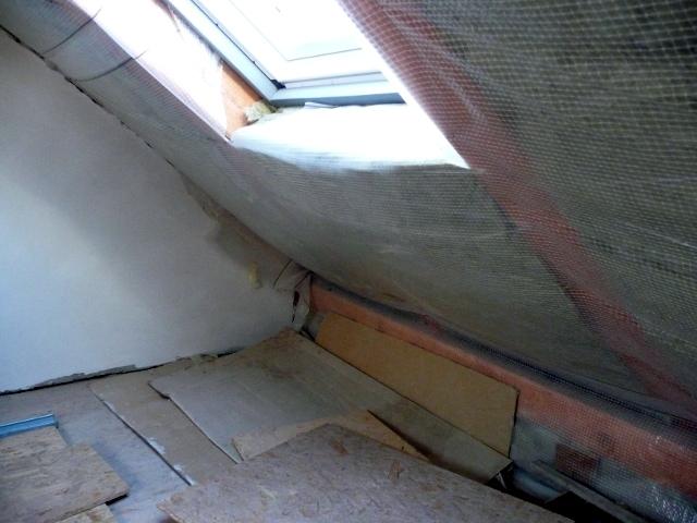 Zateplením rodinného domu v Libici nad Cidlinou a výměnou původního zdroje vytápění (nahrazen tepelným čerpadlem) bylo dosaženo nároku na dotaci.