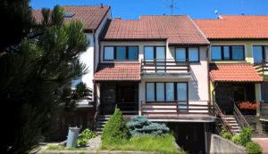 Tento dům je pro zateplení a získání dotace mimořádně vhodný. Od výstavby v 70. letech na něm nebyla realizována žádná úsporná opatření.